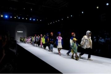 """肆意撒野,大胆跨界!上海时装周开幕大秀——巴拉巴拉""""绒我撒野""""秋冬时尚大秀"""