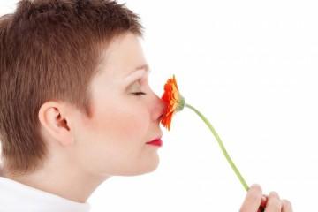 隆鼻多久可以抠鼻子隆鼻的注意事项