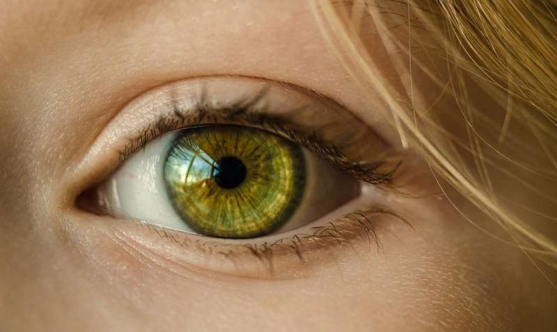 割双眼皮左眼比右眼肿双眼皮消肿康复时长不一很正常
